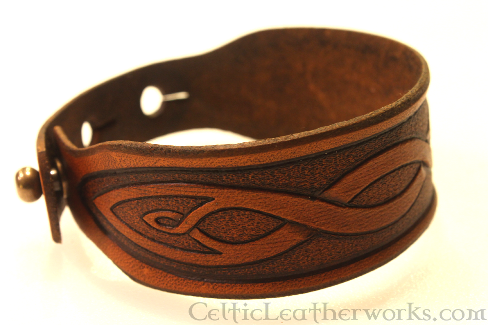 Pointed Knot Leather Cuff