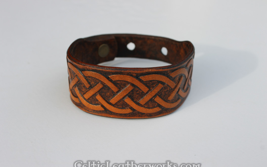 Rounded Knot Celtic Leather Cuff