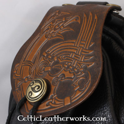 This is a custom colored Nordic Raven Sporran. These sporrans have a unique Interchangeable Flap. The flap is full grain vegetable tanned leather with a powerful Nordic Raven embossed into it.