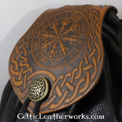 This is a custom colored Aegishjalmur Sporran. These sporrans have a unique Interchangeable Flap. The flap is full grain vegetable tanned leather with a powerful Helm of Awe embossed into it.